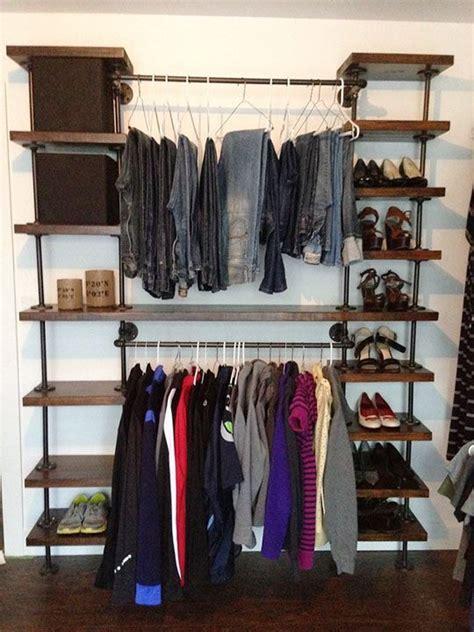 diy closet system built with pipe fittings plans m 225 s de 1000 ideas sobre pipe closet en pinterest tubo de