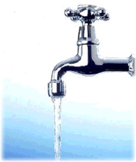 rubinetto acqua la repubblica economia bollette piange il rubinetto