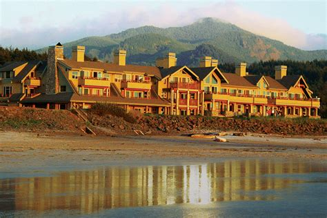 friendly hotels oregon coast oregon coast lodging the lodge in cannon oregon