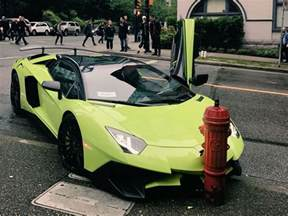 Lamborghini Mercy Free Lamborghini No Mercy Supercar Crashes Into Hydrant