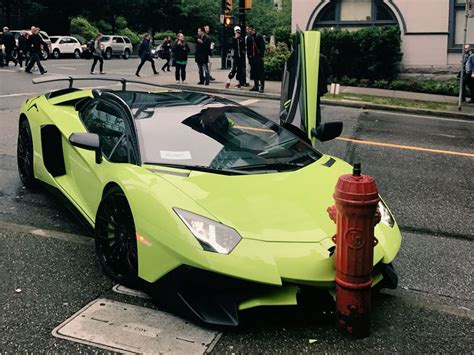 lamborghini crash lamborghini no mercy supercar crashes into hydrant