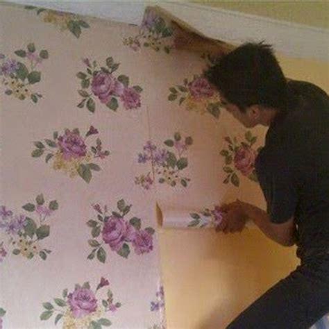 Wallpaper Dinding Darae 1778 2 cara memasang wallpaper dinding rumah gambar desain rumah