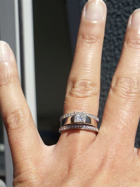 spinoff post pics of your two rings together wedding