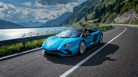 Lamborghini Aventador S Roadster  Fotos, Videos