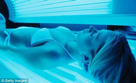 dangers of tanning beds allison bailey 20 warns of dangers of tanning beds after