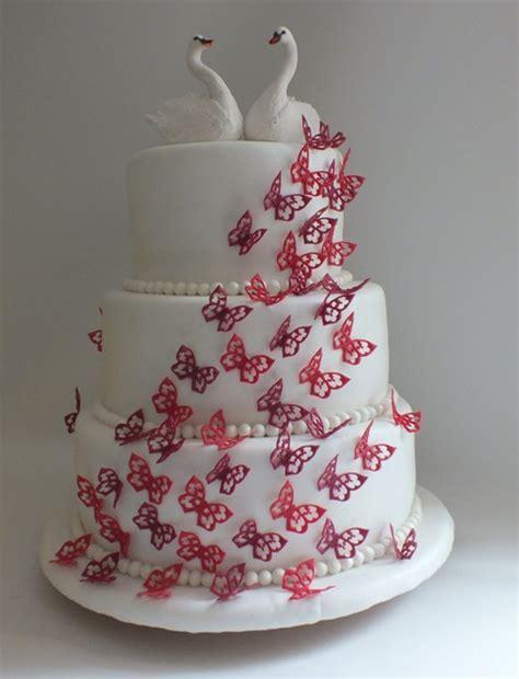 hochzeitstorte mit schmetterlingen und schw 228 nen mit fondant - Hochzeitstorte Schmetterlinge