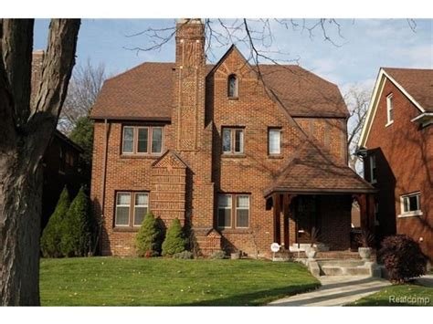 Abandoned Mansions For Sale Cheap grand detroit homes under 300 000 zillow porchlight