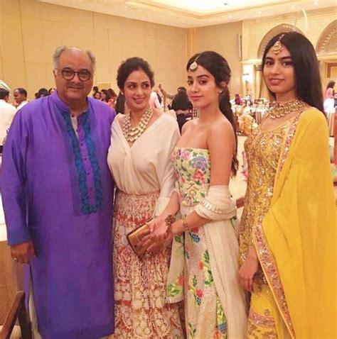 sridevi family watch sridevi s stunning daughter jhanvi kapoor shakes