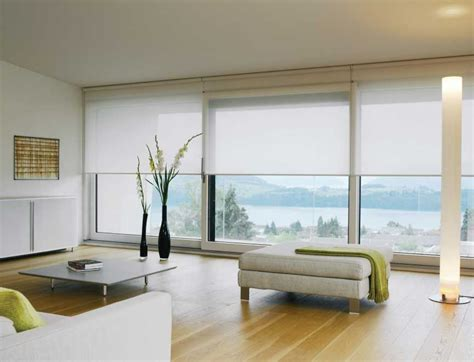 Moderne Rollos by White Silent Gliss Roller Blinds In An Ultra Modern Living