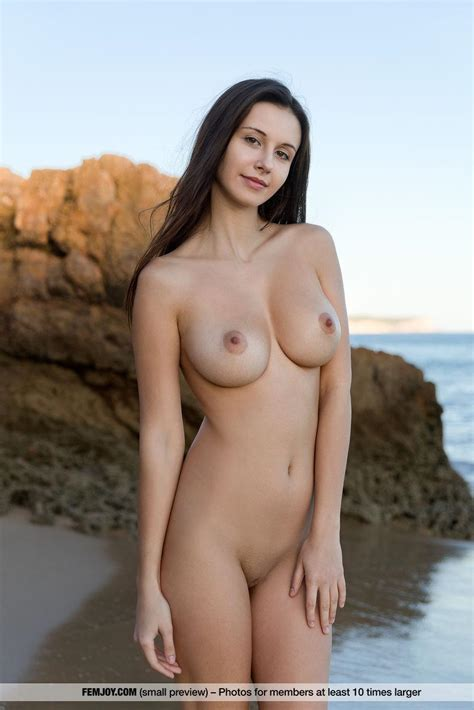 Alisa I Shows Her Gorgeous Nude Body On A Beach In