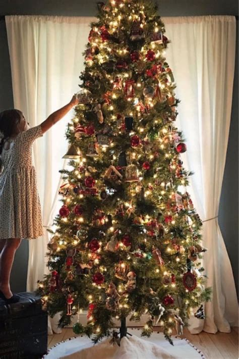 celebrity christmas decorations kardashians mariah