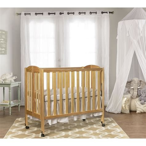 On Me 3 In 1 Folding Portable Crib by 3 In 1 Folding Portable Crib On Me