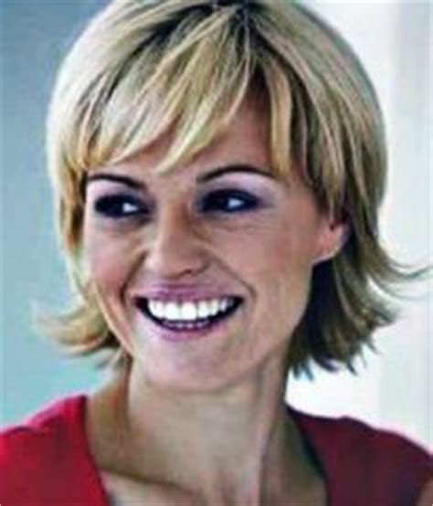 hairstyles round face middle age hairdos for middle age women hairstyles for middle aged