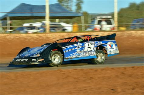 great cars a field guide to classic models from 1950 to 1970 books late models return to ellenbrook to kick 2015 16