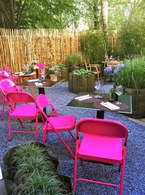 Spray Paint Metal Chairs by Pin By Rachael Hart On Cunning And Crafty