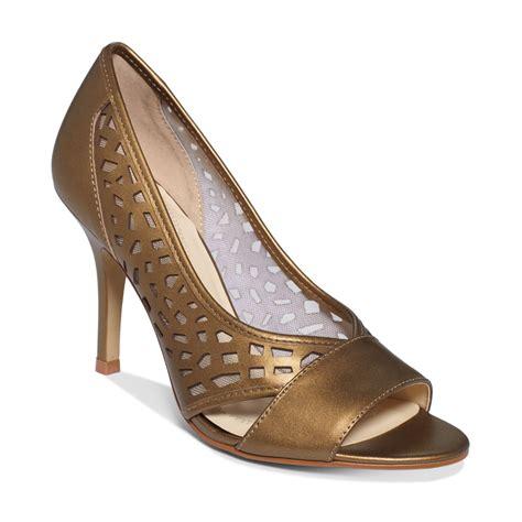 tahari sandals tahari womens liquorice sandals in brown copper lyst