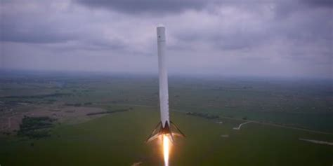 amazing transparent rocket fuel elon musks f9r flight test business insider
