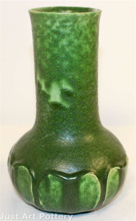 Leaf Vase by Grueby Pottery Matte Green Arts And Crafts Leaf Vase For Sale Antiques Classifieds