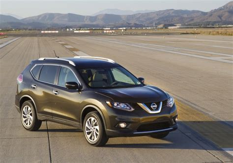 2016 Nissan Rogue Hybrid Also More Efficient Gas Model