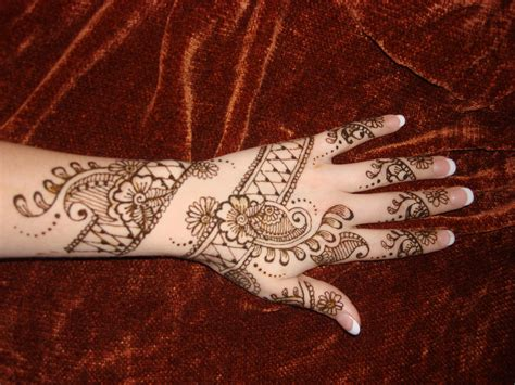 henna tattoo design on hand indian sudani arabic arabian mehndi