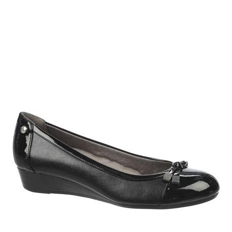 lifestride future wedge black mid heel semi dress