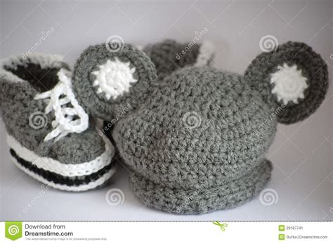 Handmade Baby Accessories - handmade knitted baby clothes stock image image 29187741