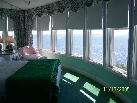 how many rooms in the grand hotel mackinac island room 312