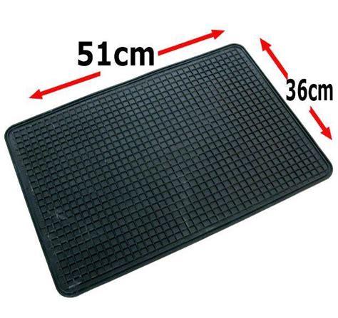 Rubber Truck Mat by Single Rubber Car Floor Mat Universal 51 X 36 Cm Footwell