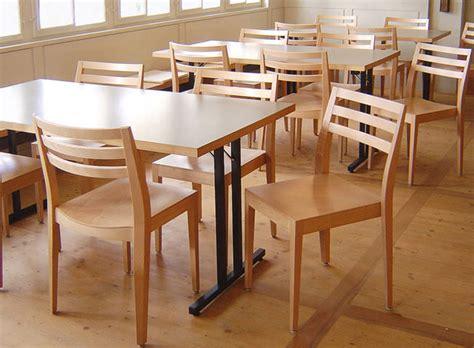 silla de restaurante moderna de madera soma  thomas albrecht dietiker