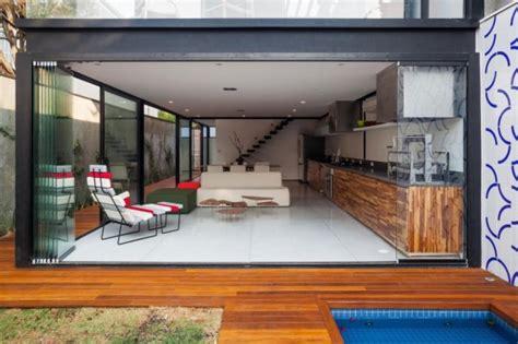 diseno de casa larga  angosta  planos  fachada inlcuida