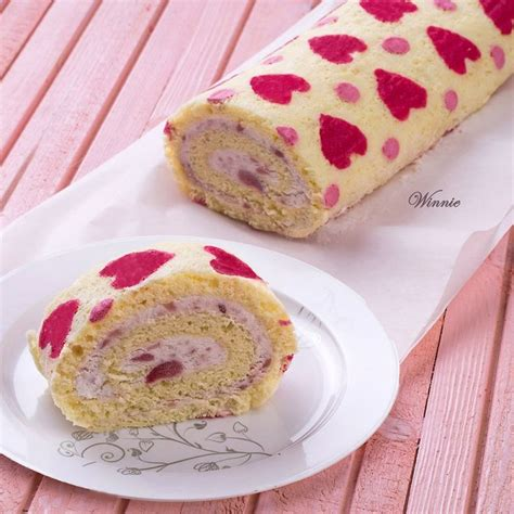 Heart Patterned Roll Cake | hearts patterned swiss roll cake my cookbook pinterest