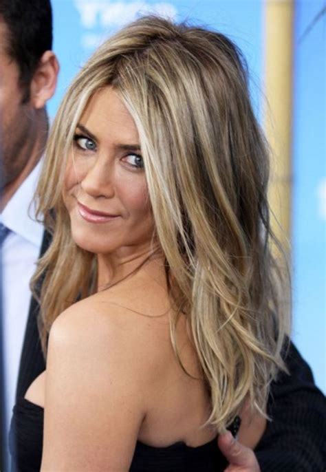 whats the in hair colour summer 2015 jennifer anistonhair 2015 gorgeous jennifer aniston hair