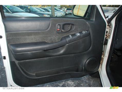 2000 Chevy Blazer Door Panel by 2000 Chevrolet Blazer Ls Door Panel Photos Gtcarlot