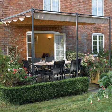 Retractable Pergola Awnings by 25 Best Ideas About Patio Awnings On Deck