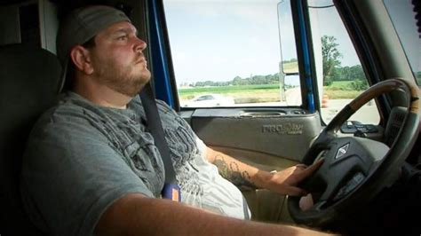 truck driver lays the to illinois trooper