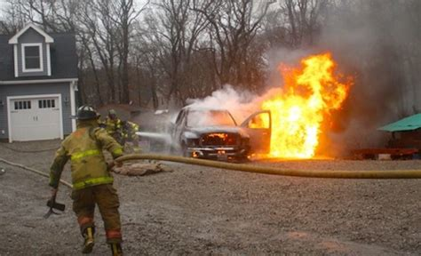 Quannacut Detox by Riverhead Firefighters Put Out Two Vehicle Fires Monday