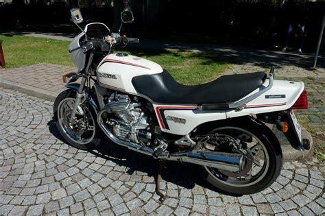 Honda Motorrad 2 Zylinder by Honda 2 Zylinder Motorrad Motorrad Bild Idee