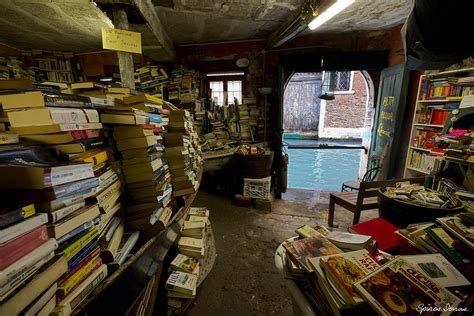 acqua alta libreria venice s libreria acqua alta most beautiful bookstore in