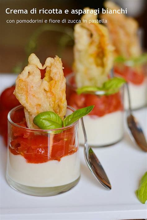 farina fiore crema di ricotta e asparagi bianchi con pomodorini e fiore