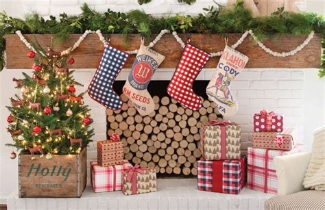 35 country christmas decorating ideas how to celebrate