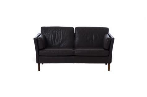 contemporary leather settees modern leather settee teak classics