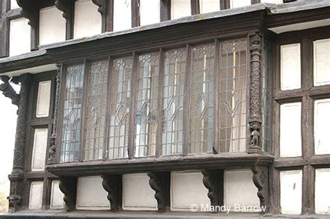 tudor house windows characteristics of tudor windows