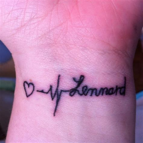 tattoo finger verlaufen heldin0703 schlecht gestochener schriftzug tattoos von