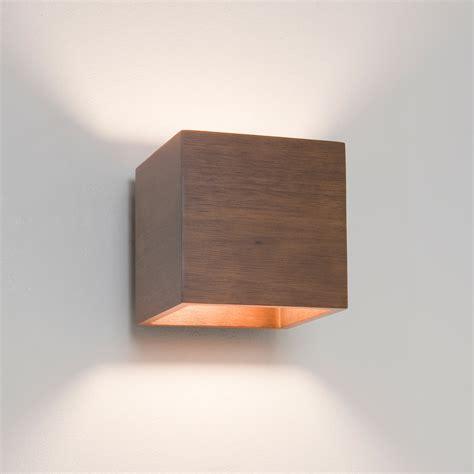 applique in legno cremona lada da parete in legno noce