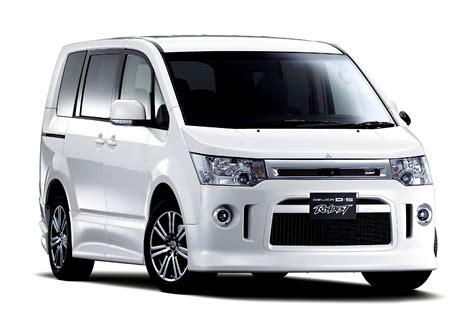 Car Review Mitsubishi Delica Indonesia