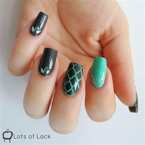 quatrefoil nail art tutorial grey and turquoise quatrefoil nail art by lotsoflack