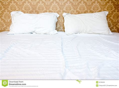 bett hintergrund bed with two pillows stock image image of bedroom