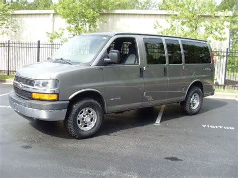 2006 chevrolet express 3500 find used 2006 chevrolet express 3500 4wd handicap in