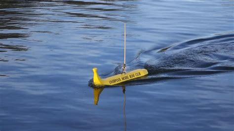 duck boat sinks youtube banana boat youtube