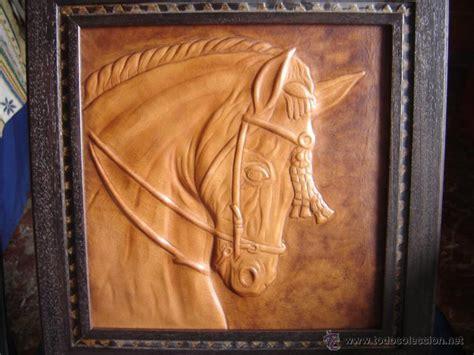 arte en cuero busto de caballo en cuero cordoban repujado a comprar